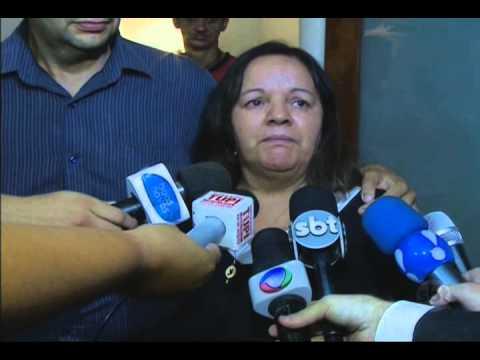 Video Corpo do humorista Jorge Loredo é cremado no Rio de Janeiro download in MP3, 3GP, MP4, WEBM, AVI, FLV January 2017