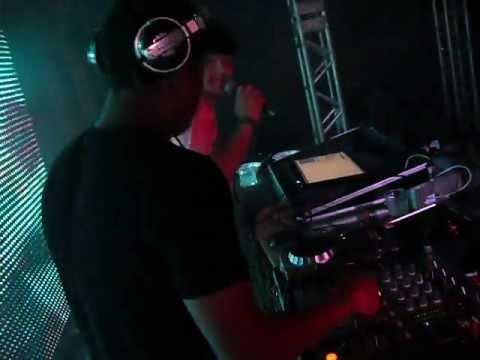 DJ JUNIOR TOCANDO NA BOATE TAJ MAHAL EM SÃO JOÃO DEL REY