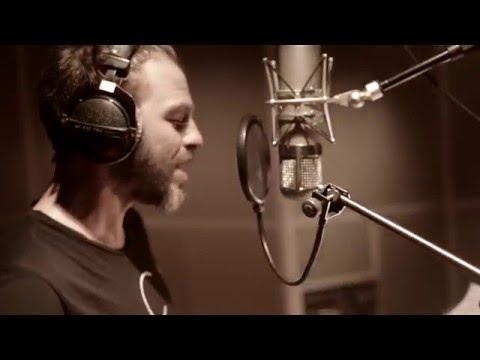 CHRISTOPHE MAE - Il est où le Bonheur (Vidéo Studio)