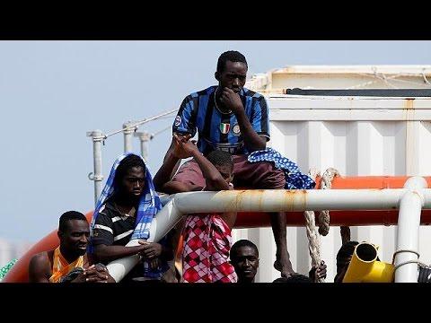 Ιταλία: Κατά εκατοντάδες φτάνουν οι μετανάστες μέσω Λιβύης