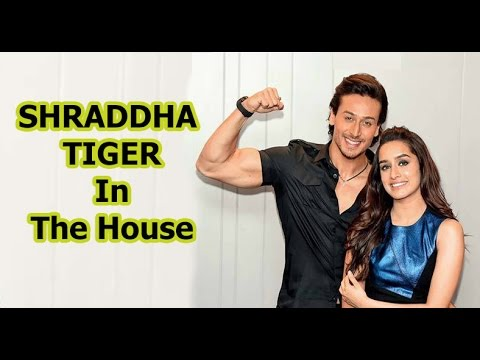 Exclusive: Tiger Shroff-Shraddha Kapoor Talks About Their Sizzling Che...