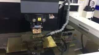 Máy gia công tia lửa điện