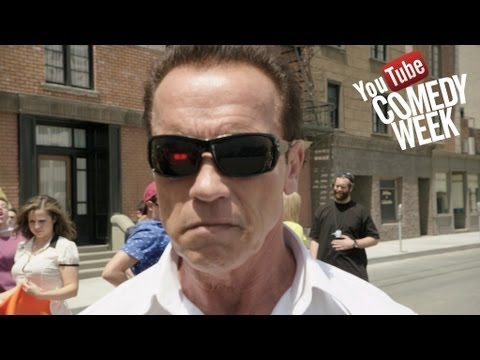 Arnold Schwarzenegger over de Comedy Week van YouTube