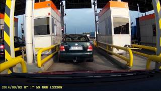 Dwie idiotki, cofają na bramkach i blokują 2 pasy viaTOLL… autostrada A4