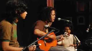 Download lagu Kutuliskan Sajak Tony Q Rastafara Mp3