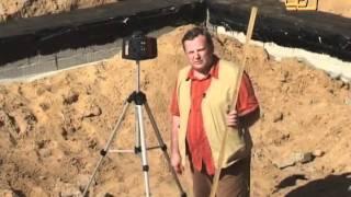 Контроль горизонтального уровня фундамента лазерным нивелиром