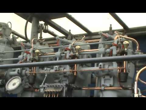 VINTAGE 1929 GARDINER 2 STROKE DIESEL 3J5 REVERSABLE MARINE ENGINE