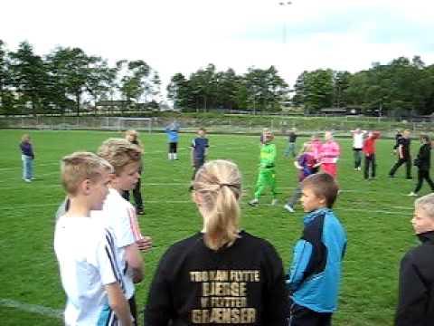 Video Maja og Jonas laver 10 point i friskolebold download in MP3, 3GP, MP4, WEBM, AVI, FLV January 2017