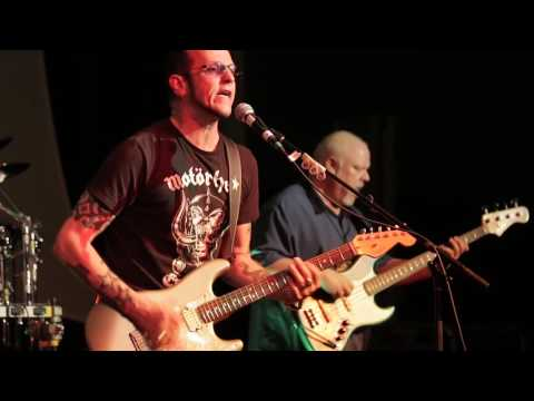 Goin' Down - Gary Hoey at The 2016 Dallas International Guitar Show Day 1