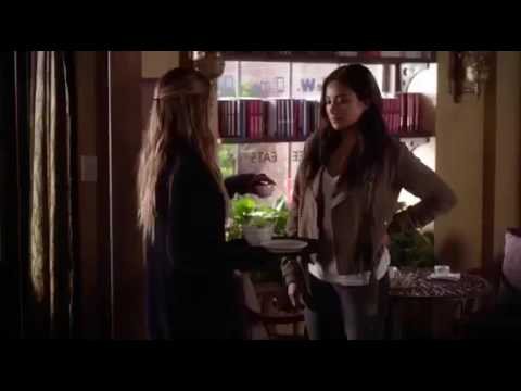 Emily and Paige Scene 7x08 Pretty little liars