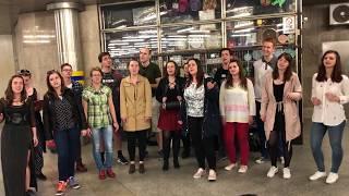 Video First Smile - Counting Stars - zpívání v ulicích Brna