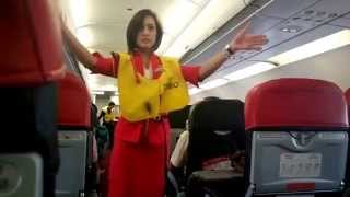 Video Air Asia beautiful stewardess    show Pre_flight safety demo MP3, 3GP, MP4, WEBM, AVI, FLV April 2019