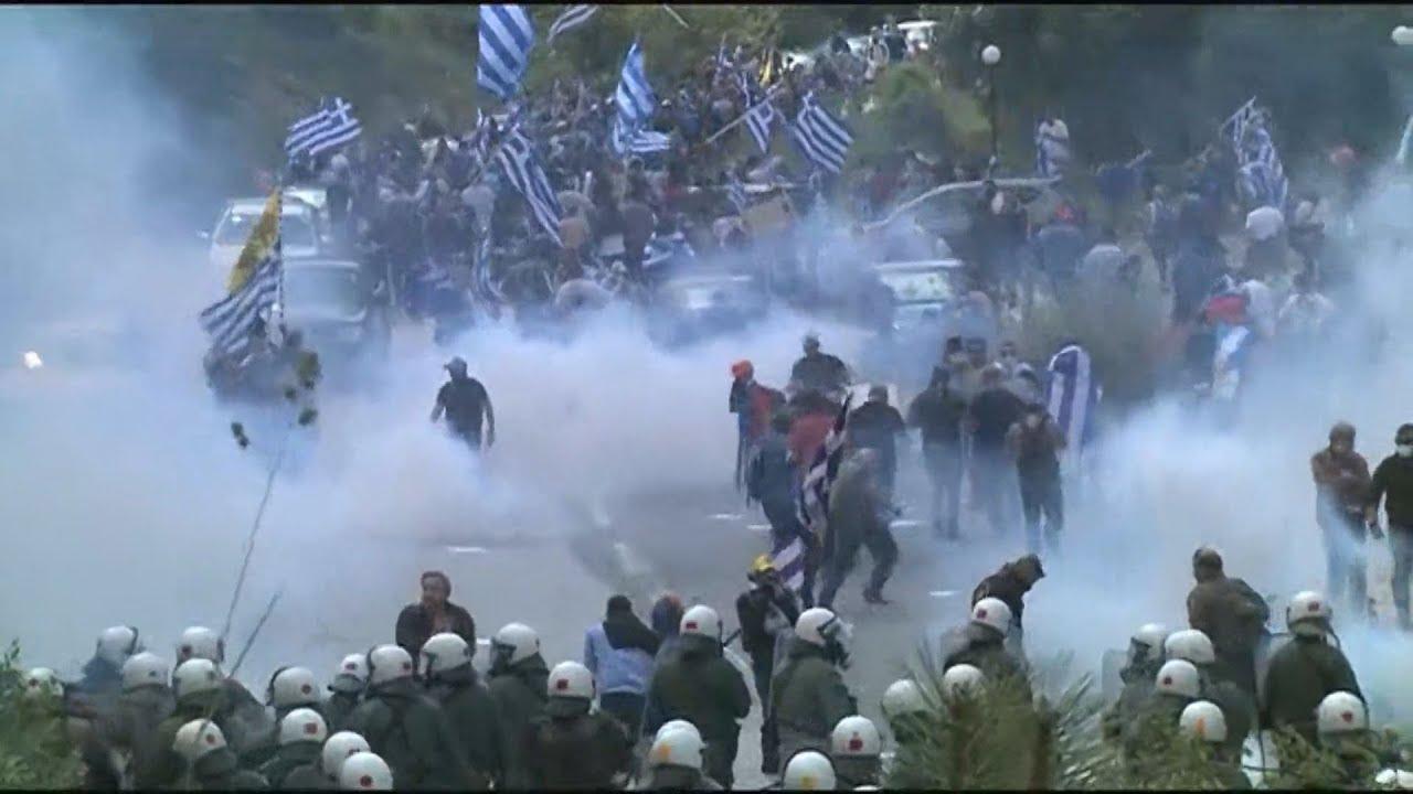 Επεισόδια στο συλλαλητήριο στις Πρέσπες για τη συμφωνία με την πΓΔΜ