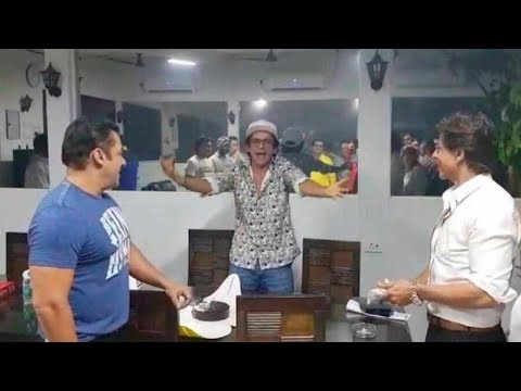 Salman Khan & Shahrukh Khan Celebrates Sunil Grove