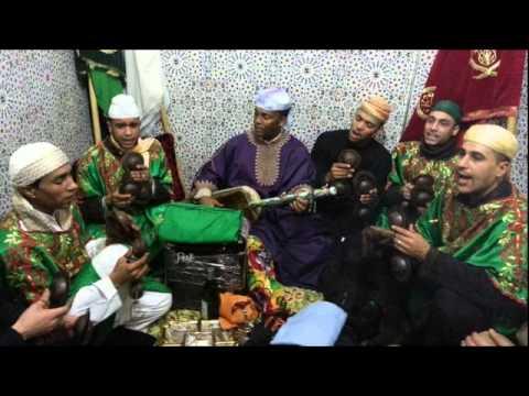 "Màalam Said Oughassal -'_ Ma Wama Bala Moussaka _-"" & Gnawa Oulad Bambra"