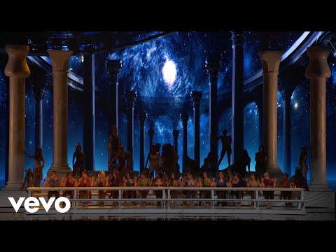 Ariana Grande - God is a woman (Live on The MTV VMAs/2018)