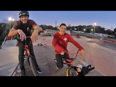 Webisode 33: Getting Aggressive at Kona Skatepark