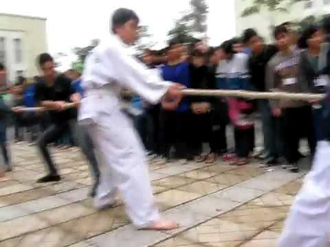 CLB Taekwondo ĐH Thang Long thứ 4 15-12-2010 quay bằng máy của Hiển 6