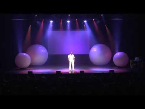 Performance de l'Humoriste haïtien M. Jude Pierre Junior Carrière dit JORJ, au spectacle HAHAHAÏTI