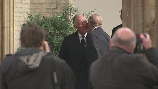 Video Prince Charles comforts the Queen with a kiss at funeral of Countess Mountbatten of Burma MP3, 3GP, MP4, WEBM, AVI, FLV April 2018