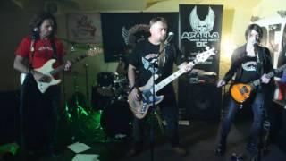 """Video Kronwell - """"Žralok"""" live v Zarabandě"""