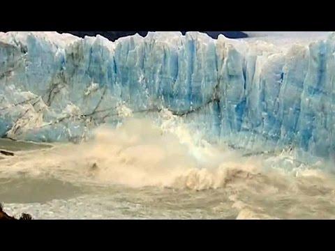 Παταγονία: Μοναδικές εικόνες από την κατάρρευση παγετώνων