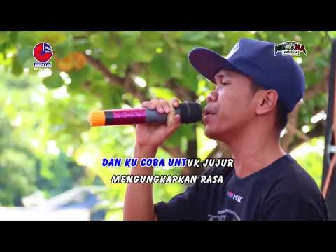 Video Ndx Aka Familia - Lilakno Aku   NDX AKA FAMILIA ( Official Music Video ) download in MP3, 3GP, MP4, WEBM, AVI, FLV January 2017