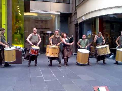 Scottish Drummers & Bagpipers in Glasgow: The Gael by C ...
