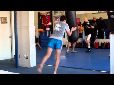 Muay Thai South Bay  |  Redondo Beach Muay Thai Knee Techniques | Free Intro Lesson 310-376-1602