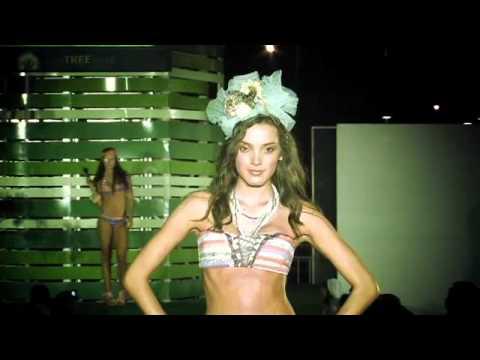 Современная яркая коллекция купальников бренда Maaji