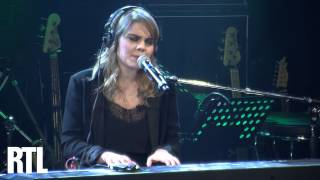 Coeur de Pirate - Place de la République en live dans Le Grand Studio RTL