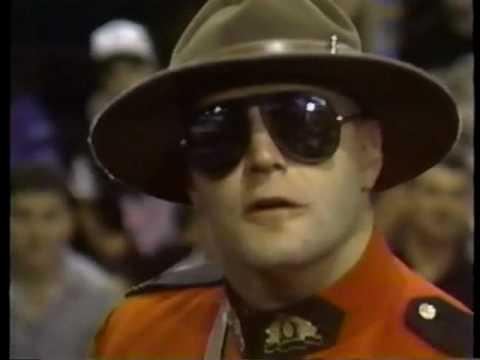 Mountie Steals Bossman's Promo Time!! (видео)