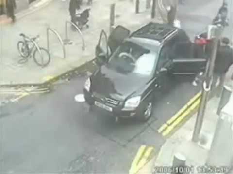 donne al volante, pericolo costante!