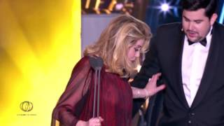 Video GLOBES DE CRISTAL 2017: Catherine Deneuve MP3, 3GP, MP4, WEBM, AVI, FLV Mei 2017
