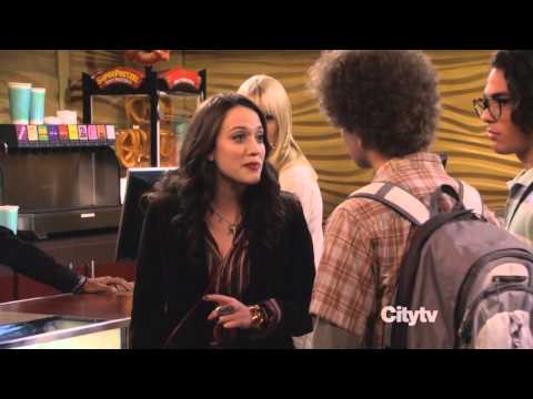 "D.J. Pierce (Shangela) on ""2 Broke Girls"" - Concession Scene Only"