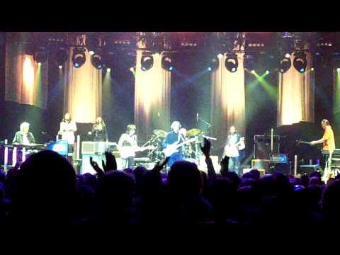 Eric Clapton & Jeff Beck - Hi Ho Silver Lining, O2 Arena London 13th Feb 2010
