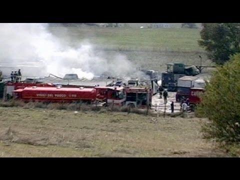 ايطاليا : تحطم طائرة صغيرة بالقرب من مطار شيامبينو - فيديو