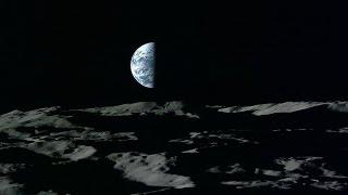 Theo cổng thông tin HNGN.com, mới đây rộ lên tin đồn rằng Trái đất sẽ rơi vào bóng tối trong 15 ngày cuối tháng 11/2016, tương tự như hồi năm 2015. Tuy nhiên, đó chỉ là tin đồn và không hoàn toàn đúng sự thật, mọi thứ vẫn bình yên, duy chỉ có khả năng nhiệt độ nóng lên chút ít.Trước đó, ông Charles Bolden, Cơ quan hàng không, vũ trụ Mỹ NASA, đã đưa ra lời cảnh báo trong một bản báo cáo đăng tải trên trang The Bored Mind. Theo đó, Trái đất sẽ rơi vào bóng tối bắt đầu từ 3 giờ sáng ngày 15/11 kéo dài đến 16 giờ 45 phút ngày 29/11. Hiện tượng bóng tối xảy ra do tác động lực hút giữa hai hành tinh lớn trong hệ mặt trời là sao Kim và sao Mộc. Khi đi qua sao Mộc từ phía tây nam, sao Kim sẽ sáng hơn gấp mười lần thông thường,  dẫn tới sự nóng lên của khí gas trên sao Mộc, thải ra lượng lớn khí hydro vào không gian.Các chất tiếp xúc với mặt trời sẽ gây những vụ nổ trên bề mặt, làm tăng nhiệt độ lên đến 9.000 độ C. Phản ứng dẫn đến việc mặt trời có màu xanh nhạt, không đỏ rực như bình thường và trạng thái này sẽ diễn ra khoảng hai tuần. Do đó, Trái đất sẽ không được chiếu sáng.Tuy nhiên, chuyện Trái Đất chìm trong bóng tối sẽ không xảy ra, đó chỉ là tin đồn. Sự việc trên chỉ có thể dẫn đến khả năng nhiệt độ nóng lên chút ít.----------------------------------------------------------------------------------------------------------Hãy đến với ''Science and Technology'' - Kênh thông tin về lĩnh vực khoa học công nghệ và môi trường trong nước cũng như quốc tế nhằm phổ biến và phục vụ cho tất cả mọi người có niềm đam mê và yêu thích khoa học.Đây là nơi giúp chúng ta có thể hệ thống hóa lại một phần các kiến thức và thông tin KH&CN.  Là nơi chia sẻ cung cấp các thông tin mới nhất nhanh nhất nhằm tạo điều kiện thuận lợi cho việc nghiên cứu, học tập, tìm hiểu về KH&CN của quí vị và các bạn.----------------------------------------------------------------------------------------------------------Click để xem tất cả các clip Science and Technology:    *Trên kênh Youtobe: https://goo.gl/