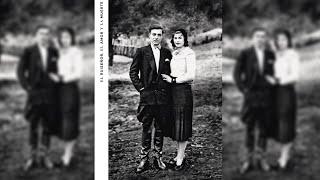 10) La moda no es vanguardia (El ruiseñor, el amor y la muerte) - Indio Solari HD+