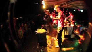 KÄPTN PENG &amp; DIE TENTAKEL VON DELPHI<br>Champagner und Schnittchen LIVE