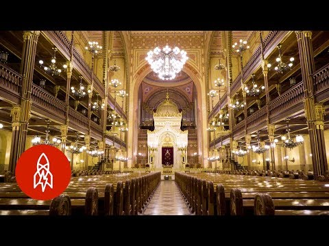 The History Behind Hungary's Great Synagogue