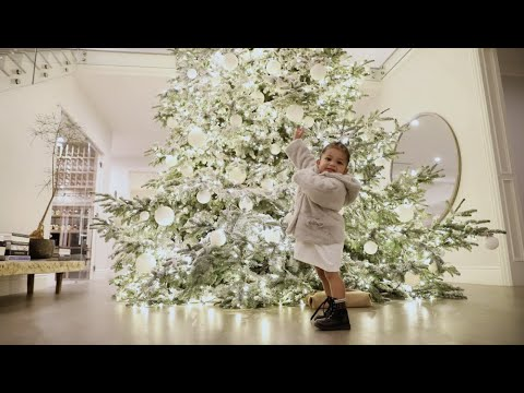 Kylie Jenner VLOG her 2019 Christmas Decorations