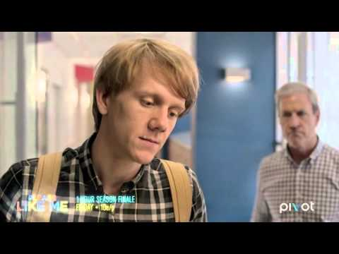 Please Like Me: Josh Takes His Parents To The Hospital With Him