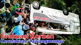 Evakuasi korban kecelakaan di tawangmangu 7 orang tewas 26 februari 2017