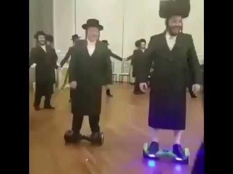 Homma kehittyy: Jewish Ultra-Orthodox Hoverboard Wedding