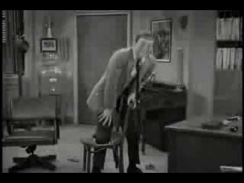 Slapstick - Dick van Dyke tries to convince us of how comedy is more sophisticated these days.