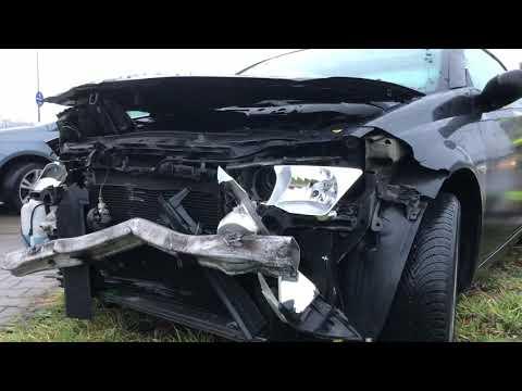 Wideo1: Zderzenie trzech aut na Al. Konstytucji 3 Maja w Lesznie