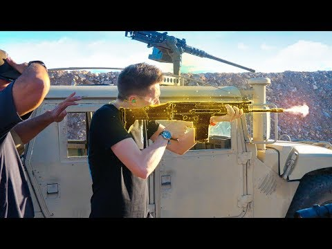FORTNITE GOLDEN SCAR IN REAL LIFE! (видео)