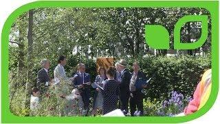 Die Jury bewertet einen Garten in Chelsea