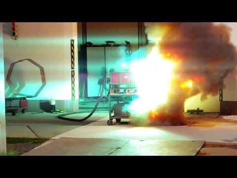 Thermische Gefährdung durch Störlichtbögen - Arc Flash - Persönliche Schutzausrüstung - PSA